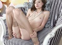 Kitana in Pearl (nude photo 8 of 20)