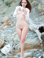 Elis in Uninhabited by Showy Beauty (nude photo 7 of 20)