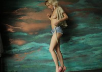 Monro in Playful Blonde by StasyQ (nude photo 5 of 16)