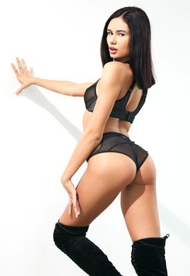 12 Pics: Layla Balan in Gliteratti by Superbe Models