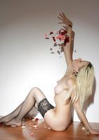 Nika N. in Fragile (nude photo 10 of 16)