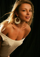 Katy N. in Secrets (nude photo 2 of 16)