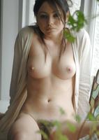 Brionie W. in White (nude photo 11 of 16)