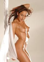 Chloe Posing Nude (nude photo 14 of 16)