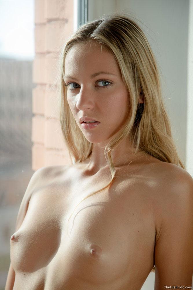 Mathea In Window By The Life Erotic 16 Photos  Erotic Beauties-2053