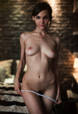 15 Pics: Lara Maiser in Late Night Gallery by This Years Model