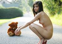 Nika in Bear (nude photo 15 of 16)