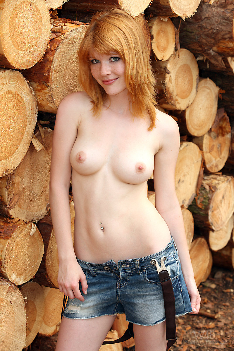 Nude Lynette beautiful redhead