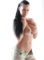 Casting Carmen Croft (nude photo 10 of 16)