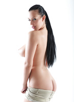 Casting Carmen Croft (nude photo 13 of 16)