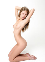 Abby in Casting (nude photo 11 of 16)