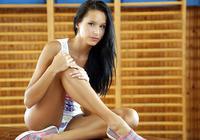 Mira in School Exercise (nude photo 9 of 16)