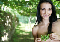 Sapphira in Vineyard (nude photo 16 of 16)