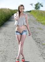 Darisha from Watch4Beauty naked on the road again (nude photo 2 of 16)