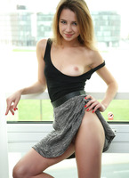 Watch4Beauty Mia Y in Just Visiting (nude photo 4 of 16)