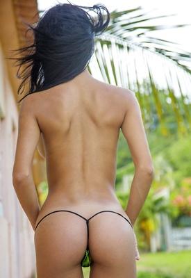 16 Pics: Denisse Gomez in Sexy Body by Watch4Beauty