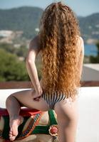 Vanessa in Sunny Ride (nude photo 4 of 16)