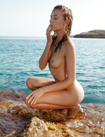 Clover in A Beautiful Place by Wow Porn (nude photo 14 of 16)