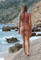 Clover in The Naturist (nude photo 6 of 16)