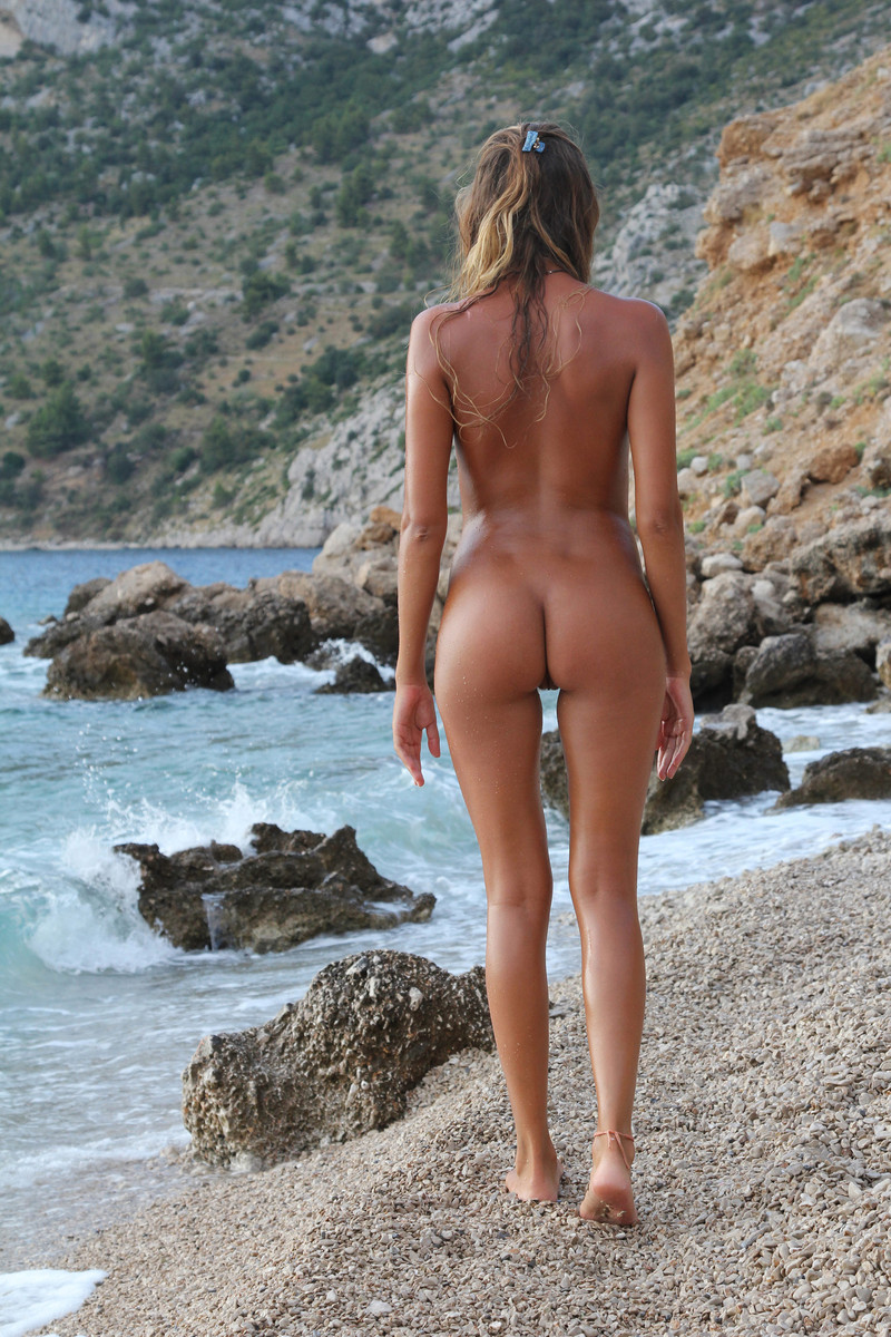 Clover In The Naturist By X-Art 16 Photos  Erotic Beauties-9232