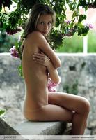 Eve in Forbidden Garden (nude photo 13 of 16)