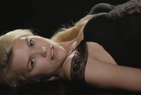 Izzy in The Dark (nude photo 3 of 16)