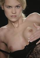 Izzy in The Dark (nude photo 9 of 16)