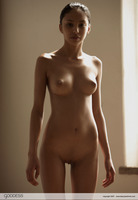 Alexis Love Tiny Dancer (nude photo 4 of 12)