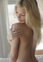 Morning with Francesca (nude photo 10 of 16)