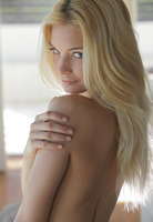 Morning with Francesca (nude photo 11 of 16)