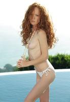 Scarlett Getting Wet (nude photo 1 of 16)