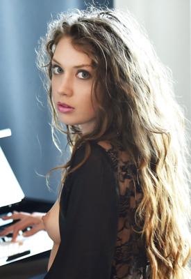 16 Pics: Elena Koshka in Piano Concerto by X-Art