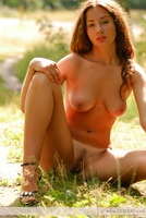 Nude Beauty Outdoors (nude photo 6 of 12)