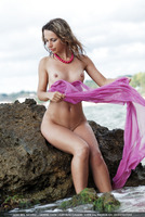 Nata Wet Outdoors (nude photo 11 of 16)