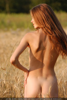 Natural Nude Beauty (nude photo 8 of 16)